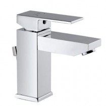 Single lever basin mixer with flag